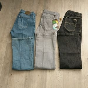3 pairs of DKNY jeans